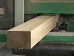 Proceso de moldurado y cepillado de madera en Maderas Angel Suárez S.L.